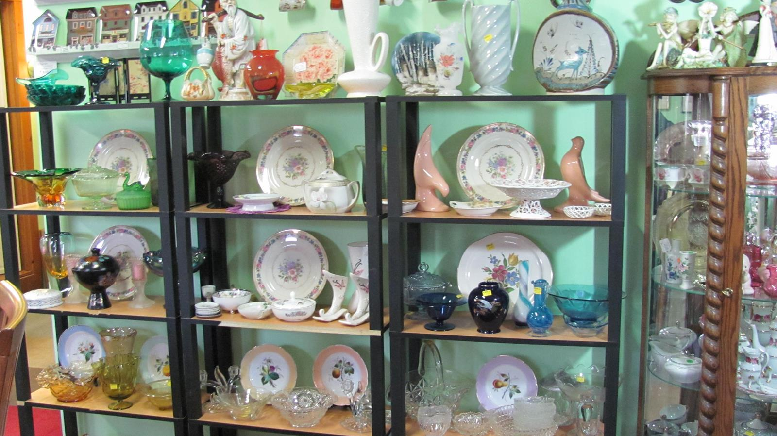 New To You Shop located with Ellies Daylilies in Unity Maine has a wide selection of collectibles and home decor